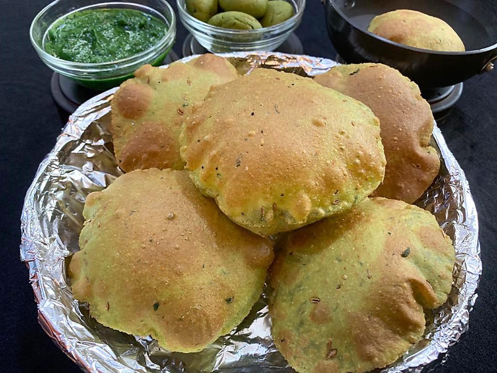 Palak Poori Recipe
